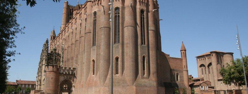 Plein in Albi in Frankrijk met de kathedraal