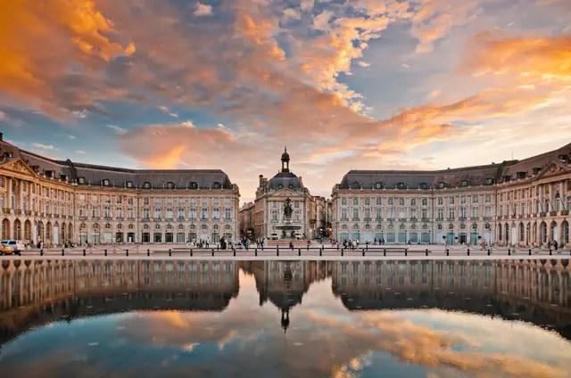 Bordeaux Place de la Bourse avond