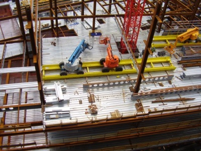 MEWP on partly erected frame.JPG