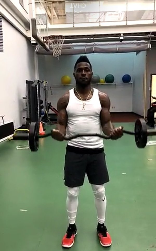 Antonio Brown Hits The Gym Hours After Record Setting Deal ...