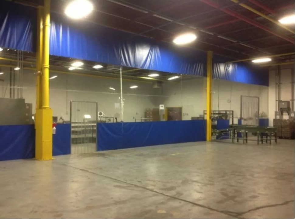 Warehouse curtains divide facilities and block out noise and pollution.
