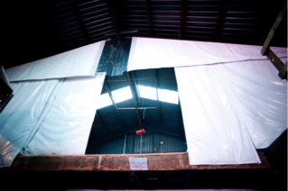Insulated curtain walls maintain the temperatures inside buildings, such as cooling areas, warehouses and loading docks.