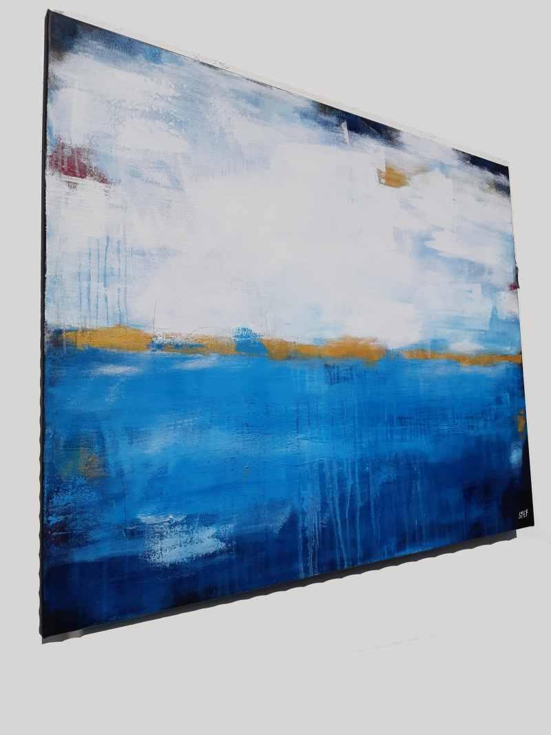 abstraktes Gemälde in Blau und Gold von Steafnie Rogge
