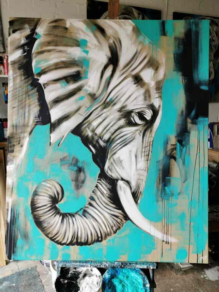 Elefant 23 auf Staffelei