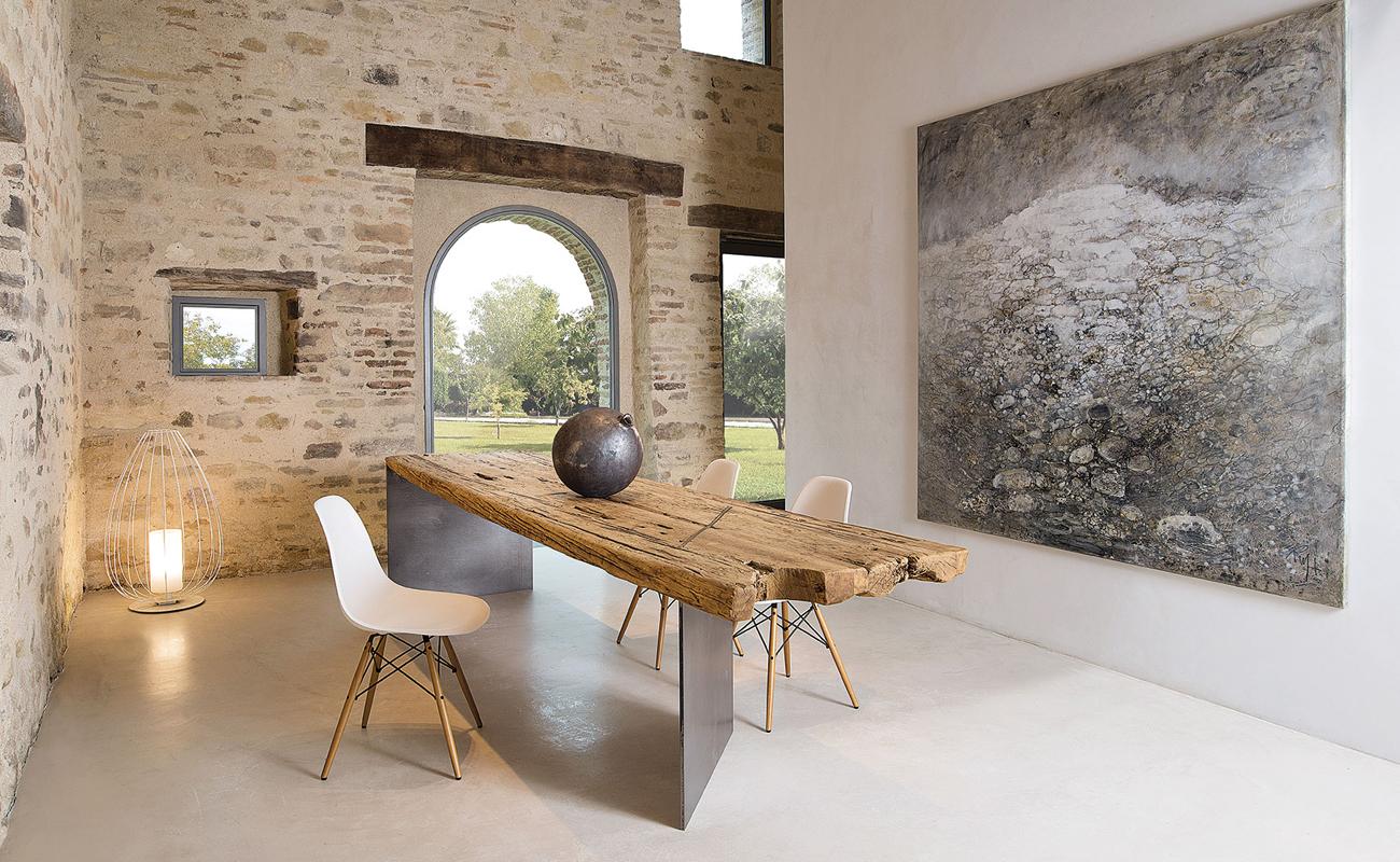 La struttura è molto robusta e solida. Tavoli E Sedia Stile Contemporaneo Lecce E Provincia Foto