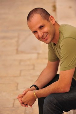 Biography Stefano Levi