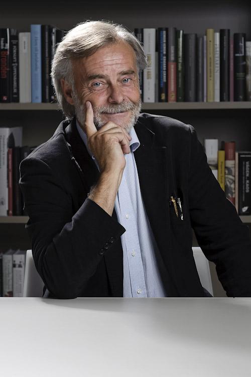 Porträttfotografering av ALMA-juryn, här författaren Stefan Casta. Fotograf Stefan Tell