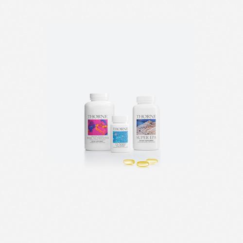Produktfoto av förpackningar, tabletter och burkar. Fotograf Stefan Tell