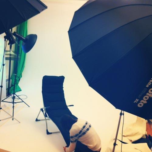 fotostudio-produktfotografering-solstolar-bakom-kulisserna