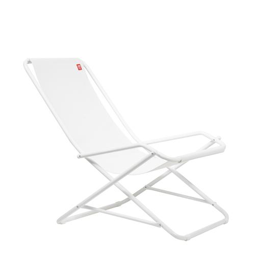 Produktfotografering av vit produkt frilagd mot vit bakgrund. Fotograf Stefan Tell