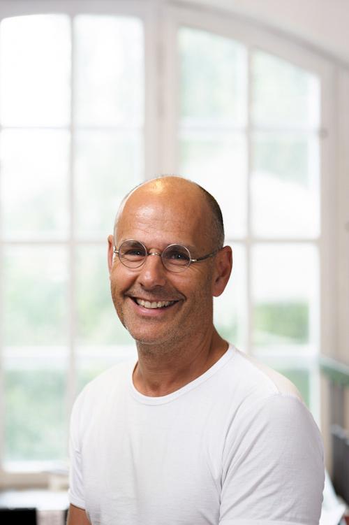 Jonas Burman, illustratör & tecknare. Fotograf Stefan Tell