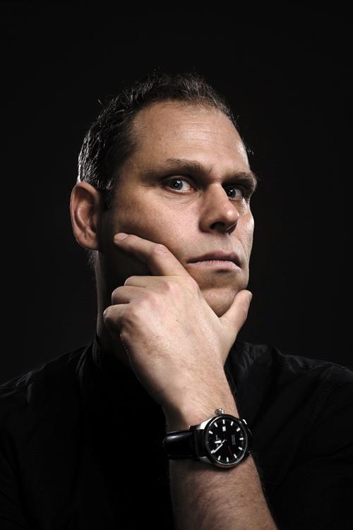 Lasse Nilsen, testbild från porträttfotografering av komiker. Fotograf Stefan Tell