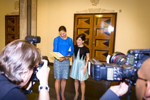 Kronprinsessan-Victoria-Isol-ALMA-Konserthuset-ceremoni-pressfotografering