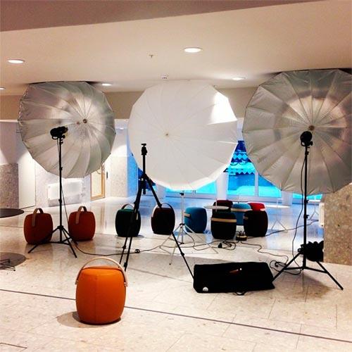 ljussättning-tre-studioblixtar-profoto-d1-umbrella-xl
