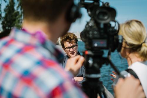 fotografering-under-intervju-med-filmning-Meg-Rosoff-ALMA