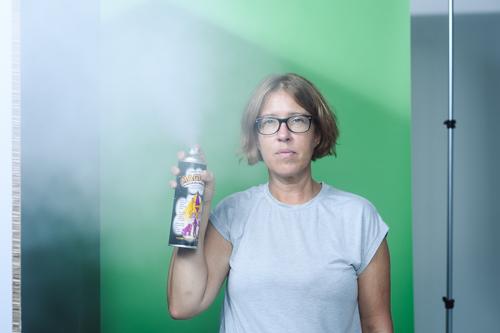 3-test-av-rokeffekt-i-sprejburk-fotografering-fotostudio. Fotograf Stefan Tell