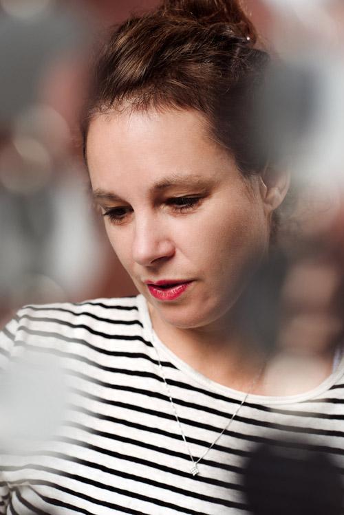 sara-stridsberg-pressbild-portratt-fotostudio