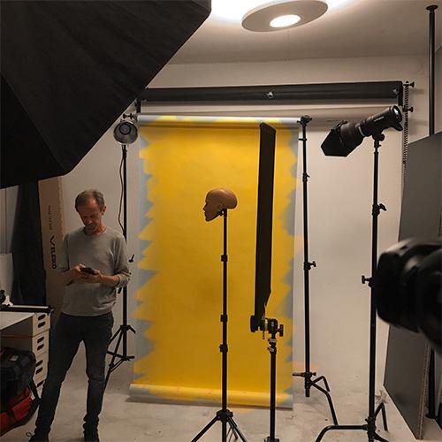 bts_fotostudio-en-bakgrund-man-kan-andra-farg-pa-ljussattning