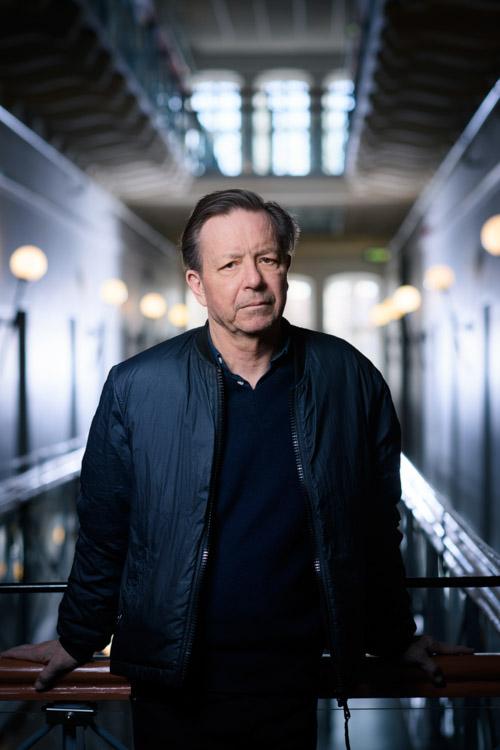 Steve Sem-Sandberg, författarporträtt för Albert Bonniers Förlag 2019. Fotograf Stefan Tell.