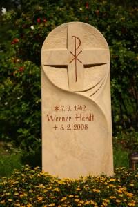 Urnengrabmal der Steinewelt Flieden e.K.