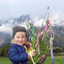 Mieminger Bäuerinnen: Palmbuschen binden, Foto: Knut Kuckel/Mieming-Online