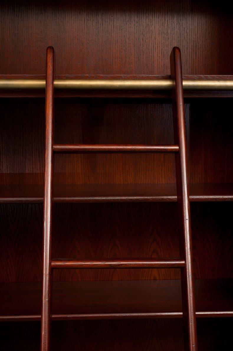 biblioteca din lemn masiv de stejar