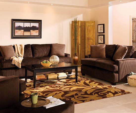 Lemn natur, culori deschise, sufragerie calda