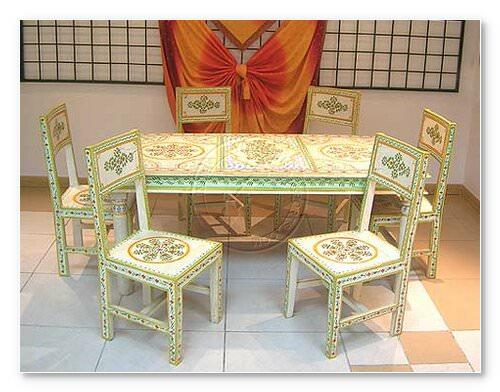 masa si scaune pictate