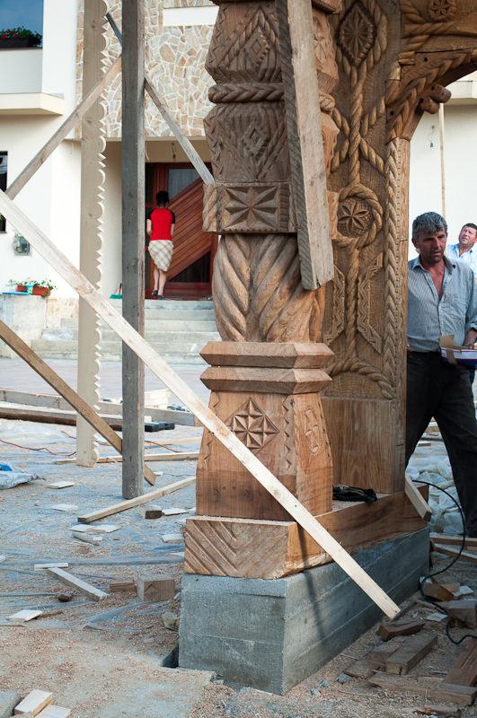 Poarta Maramureseana in constructie - Talpa
