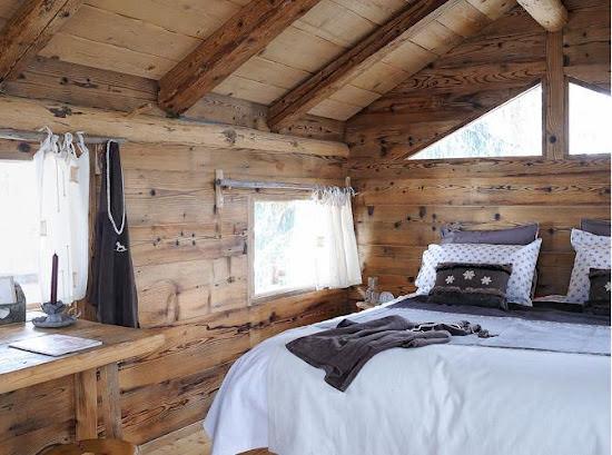 case de lemn in padure