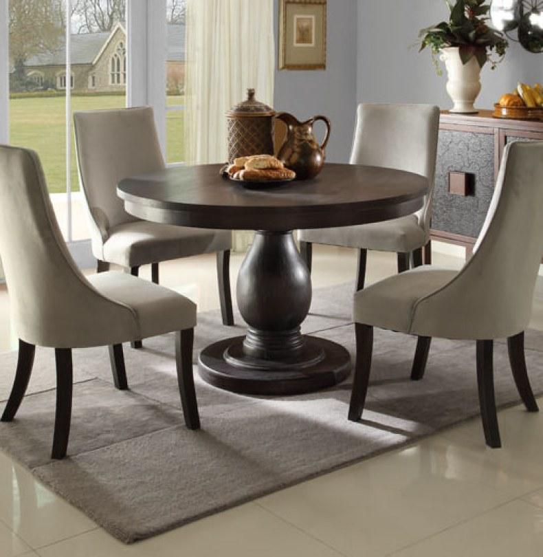 amenajare living - masa rotunda pentru sufragerie eleganta