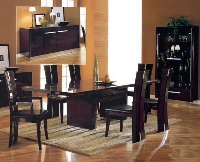 mobila de lemn masiv