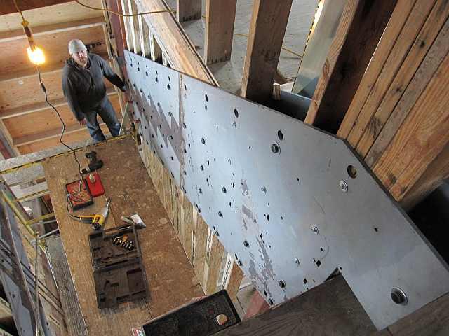 Metal si lemn pentru scara interioara