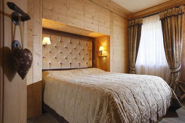 apartament amenajare cu lemn masiv