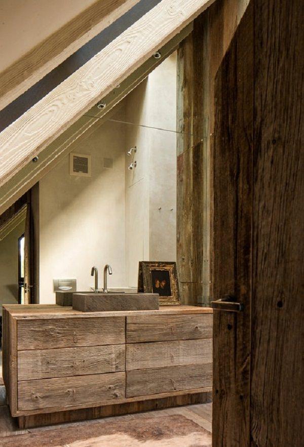baie rustica cu lemn