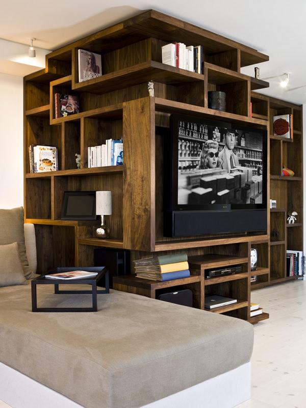stand TV -apartament spatios
