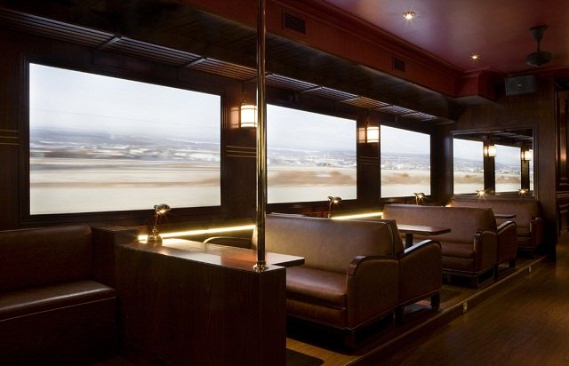 pub si cafenea in cabina de tren