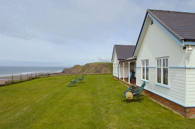 casa cu priveliste la mare