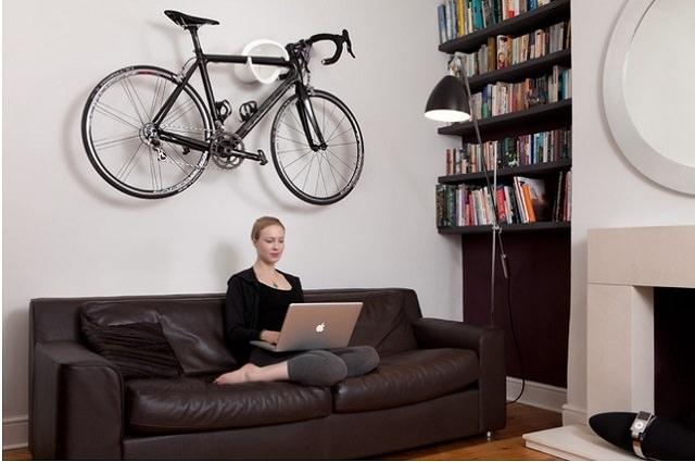 bicicleta depozitatat in apartament
