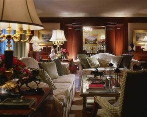 mobila de lemn masiv pentru 5 stele - apartamentele prezidentiale