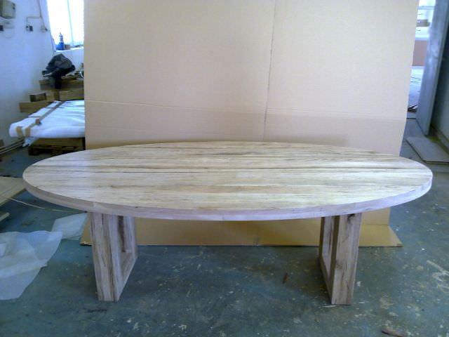 masa medierii din lemn masiv