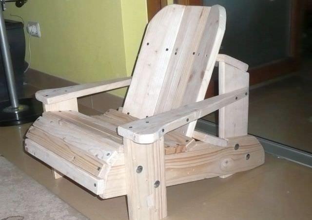 proiect DIY - scaunul Adirondack din lemn