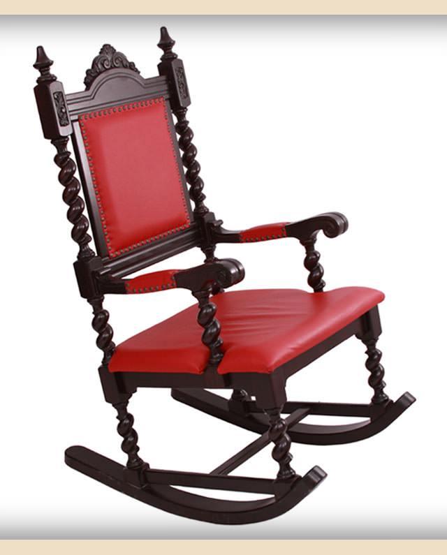scaun cu elemente sculptate