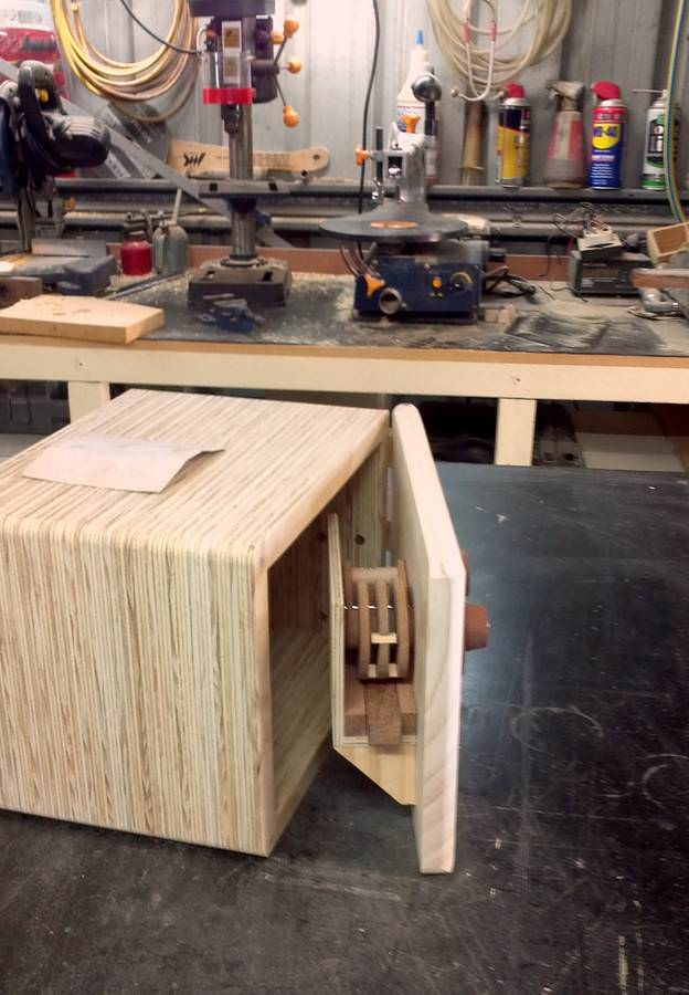seif cu închizatoare din lemn - inchidere