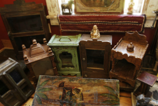 achizitia de mobila veche