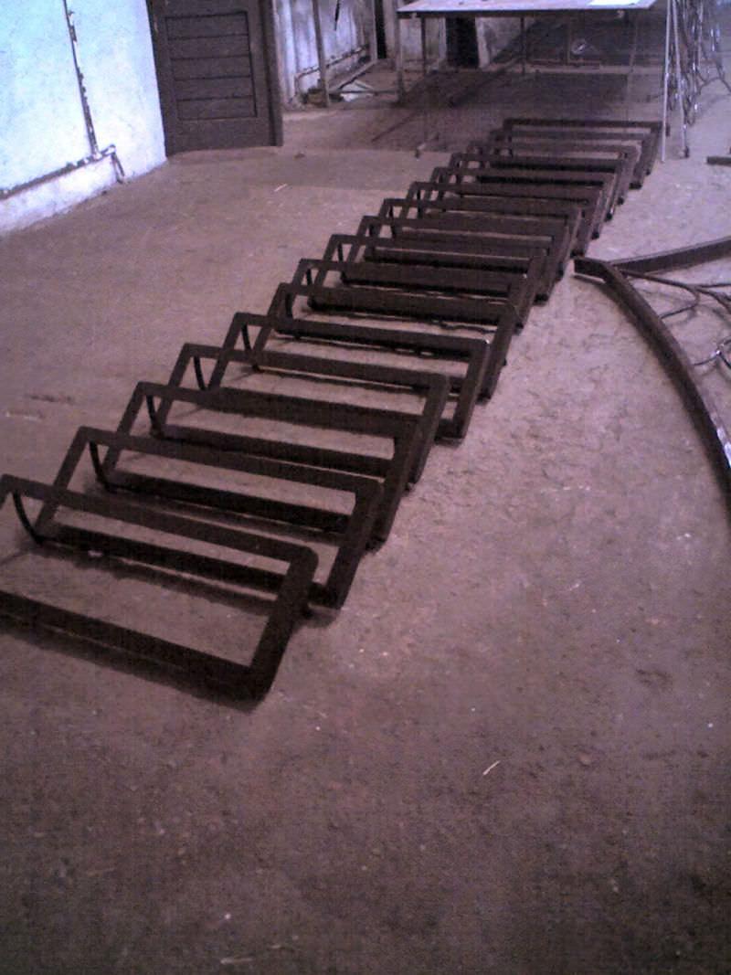 scara din fier forjat si trepte din lemn
