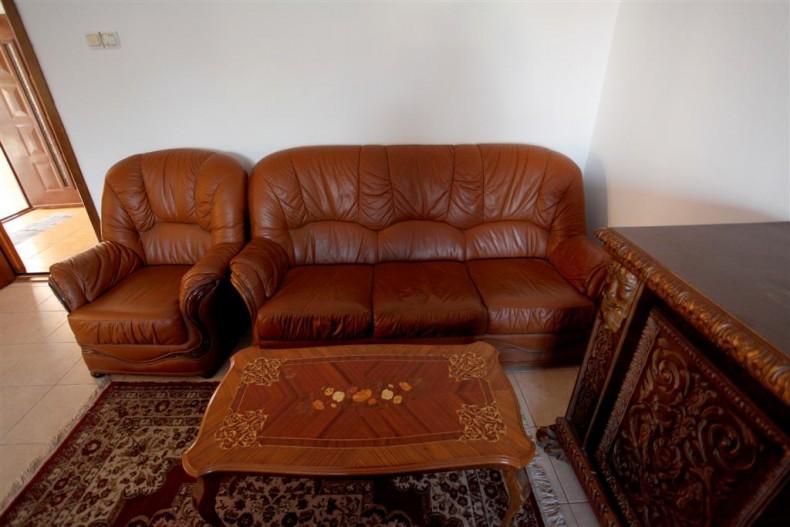 mobila veche stil florentin