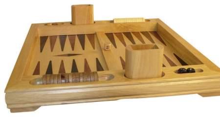 joc pe tabla de lemn