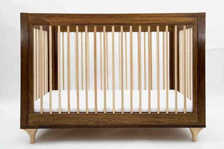 mobilier din lemn iroko