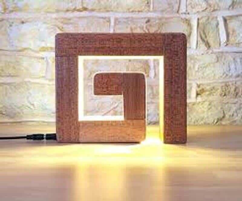 lampa din lemn
